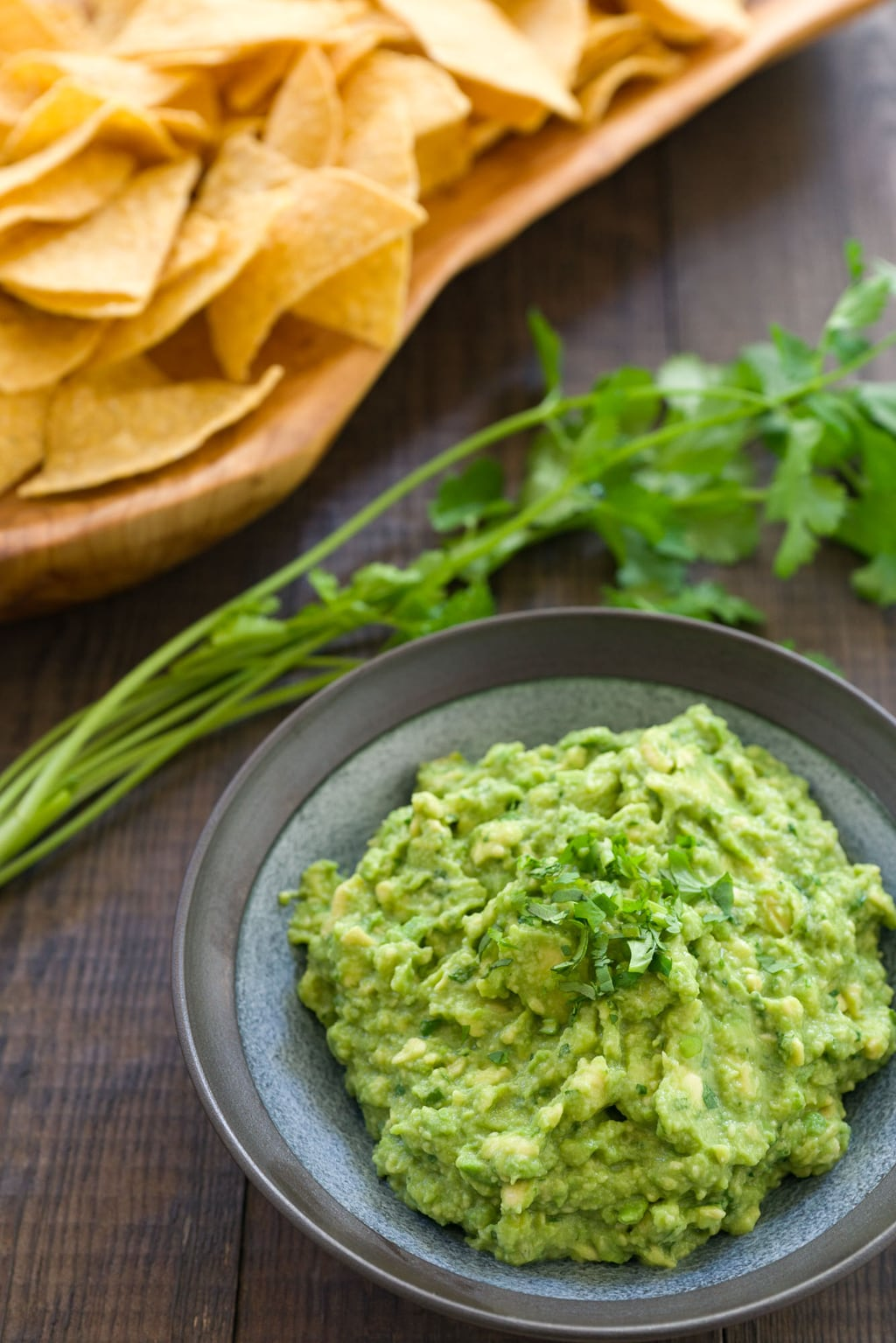 The best guacamole only requires 5 basic ingredients and less than 5 minutes to make.