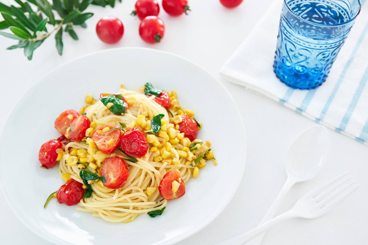 Pasta Estate (literally Summer Pasta) is an easy yet ultra-flavorful plant-based pasta that captures the essense of summer with pan-roasted tomatoes, corn and zucchini.