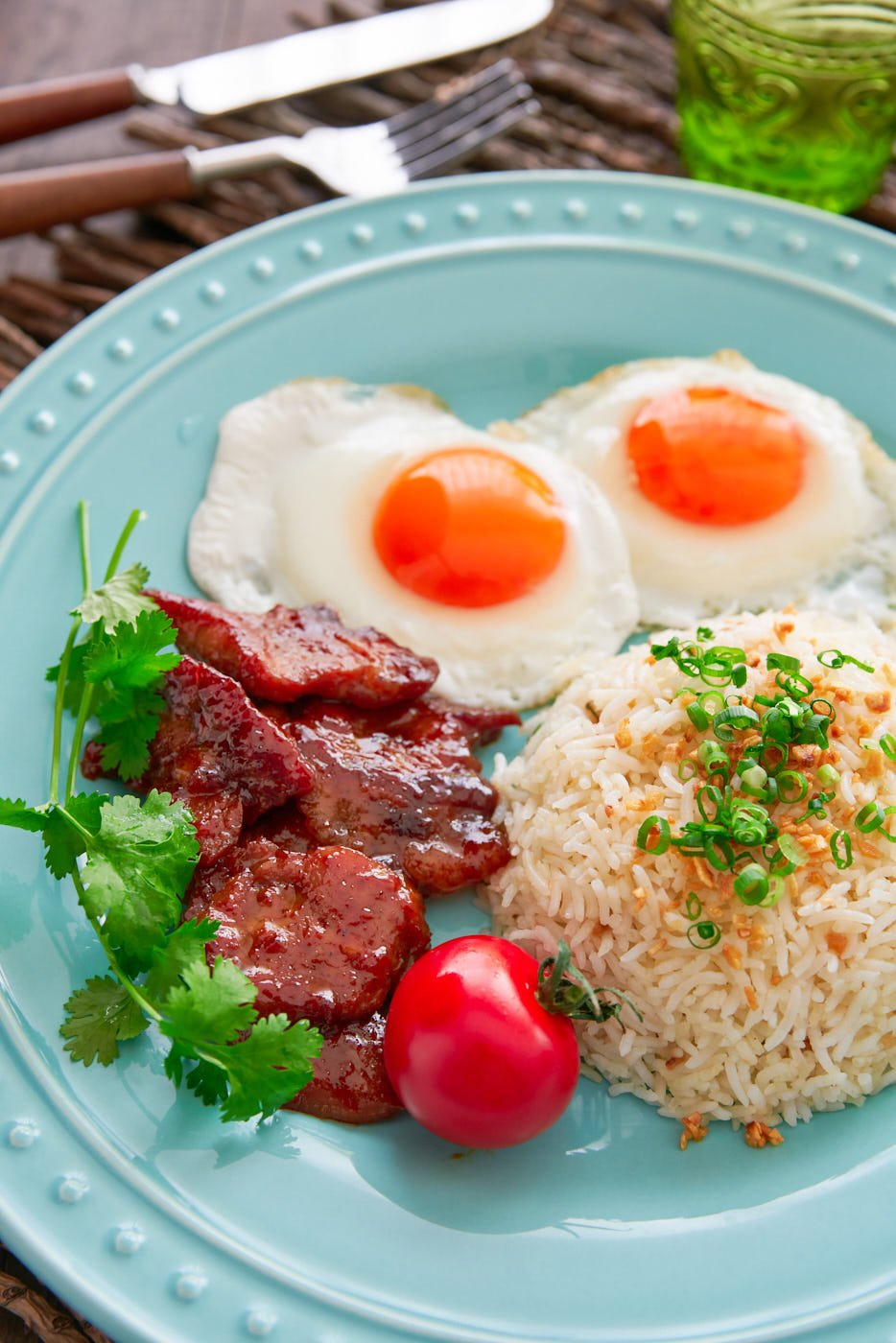 Tosilog Recipe (Filipino Breakfast) with Tocino, Garlic Rice