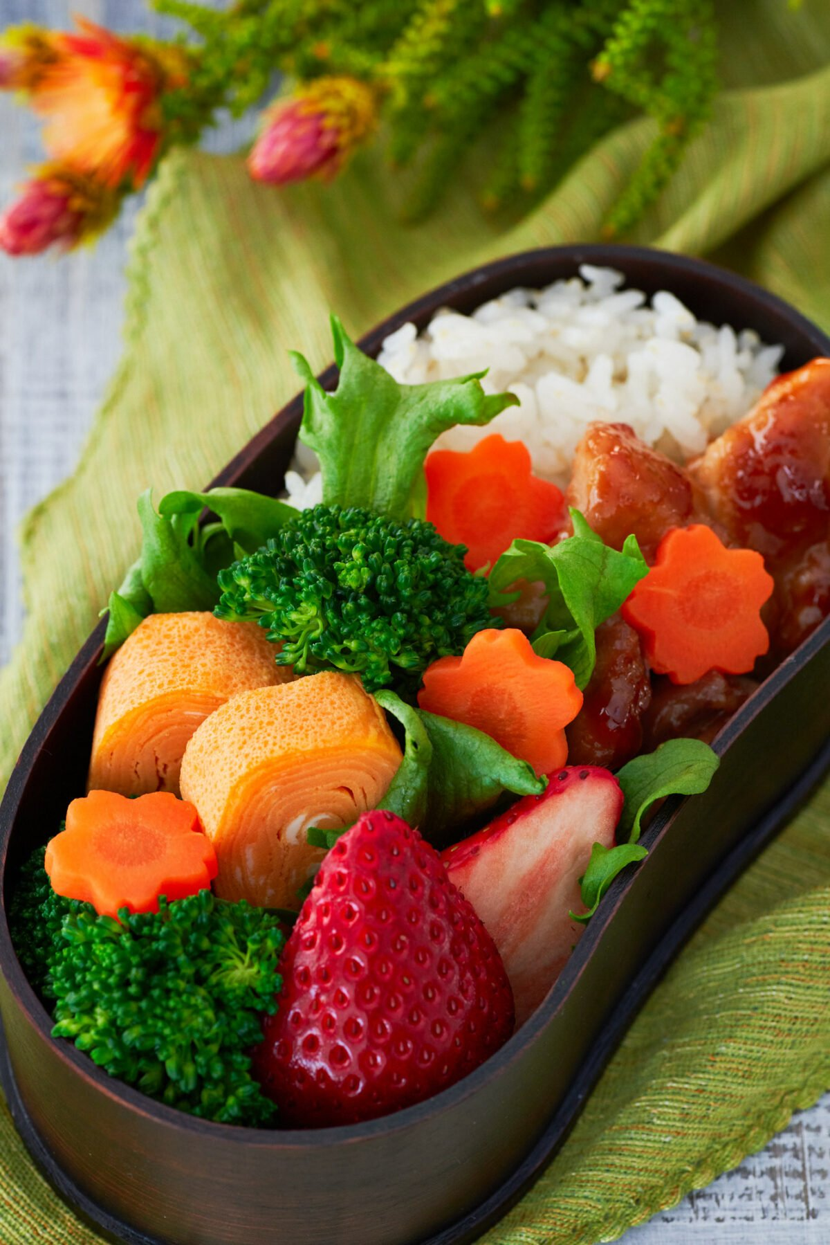 This Ginger Chicken Bento includes just $1.80 worth of ingredients, and yet's it's balanced, satisfying and delicious.